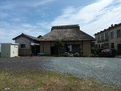 富士川民俗資料館につきました。入場無料。生活の道具などが展示されています。
