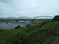 帰りは、富士川を見ながら。富士川に架かる橋。