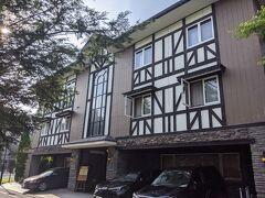 今回のお宿はこちらのホテル軽井沢エレガンス。旧軽からも軽井沢駅からも徒歩圏内の便利な立地です。