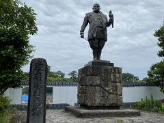 徳川家康公の像