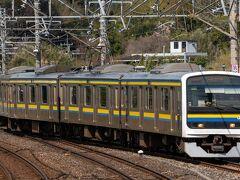今回は横浜からではなく、出先から大網駅へ 東金線に直通する209系がうねうねしながら東金線ホームにむかっていきます。 2021年3月のダイヤ改正で東金線の209系は全て6両となったため、写真の4両は見納めになりました。 日中と深夜の東金線は4両でもE131系のワンマン運転でもいい気がしますが・・・