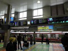 品川では、すぐに京急に乗り換えられました。乗り換え1回で羽田空港まで行けるんだから、ホント便利です。