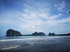 さて3日目です。 さらに南に足をのばして、トランまでドライブしてきました。 途中からは海外沿いを走るルートで、あちこちにあるビーチに寄ってみました。