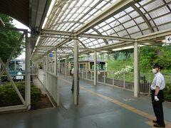 西武球場前駅に着きました。 西武狭山線に乗り換えて西所沢駅に向かいます。
