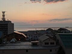 ▽6/13(日) 2日目 おはようございます。目覚まし時計はセットしていませんでしたが、日の出の少し前に目覚めました。