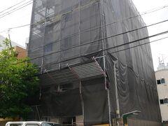 すぐ右、西成警察署手前 まだ、出来ない ここ名酒場の難波屋かビルを建てている 西成ジャズもやる酒場