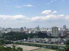 高台からは広瀬川も見ることができました。 そこまで大きい川ではないですが、戦国時代には重要な意味をもっていたそうです。