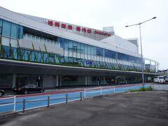 福岡空港に定刻通り到着 自分の中のザル感染症対策で、福岡県はスルーして目的地の佐賀へ直行します(*^ー^)ノ♪