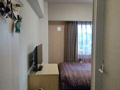 今宵のお宿は「ホテルルートイン東広島西条駅前」。 駅から徒歩数分のホテルです。