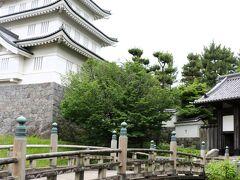 忍城が「難攻不落の城」と呼ばれる理由は、あの豊臣秀吉でさえ唯一落とせなかった城だから。 2012年11月公開の映画『のぼうの城』の題材にもなっています。