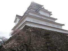 鶴ヶ城天守閣が見えました  続きはその5ラストで
