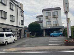 おがわは主人の友人の小川さんの実家が経営。 道は飯能銀座通りの一本北側の青梅飯能線で、八高線と西武鉄道の東飯能駅から真っ直ぐに1km弱西に行った所。