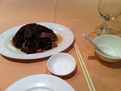 その日の夜は、前にも行った蘭桂坊の鏞記酒家でローストダックの夕食。