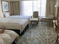 ホテルアソシア高山リゾートに到着。エキストラベッド入れてトリプル。 広めのお部屋でいい感じ^^