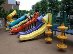 港区立さくら坂公園  欧米人の可愛らしい子供が多く目の保養になりました。