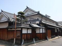 田守家は明治中頃まで木綿屋を営んでいたそうです。 古さでは杉山家に次ぐ18世紀前半の主屋があるそうです。