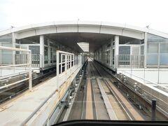 魚崎駅。(だったはず。駅名標とかを撮れていないので…) 阪神電鉄とは、ここで乗り換えとなるようです。