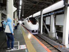 旅の始まりは柏駅、いつもは上野経由の新幹線を利用するのですが、今回は柏駅から乗り換えなしで仙台駅に行ける常磐線特急「ひたち3号」を利用します。  柏駅に進入するひたち3号。