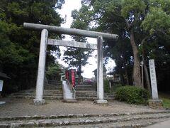神社が見えました。ここは松江護国神社です。