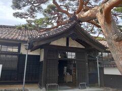 まずは豪商の家。入場料は800円と高め。