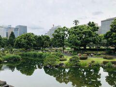 日比谷公園に来ました。  この日は台風が来るというのでちょっと早めに出てきたんだけど、なんとかお天気持ってますね(・∀・)。