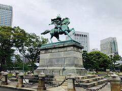 『楠木正成像』。  どなたか良く存じ上げませんが(汗)、後醍醐天皇を助けた武将らしいです。