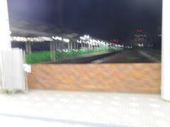 終着駅に到着。使われなくなった長崎駅の行き止まり地上ホームです。