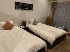 ホテルを移動しまして、ネイティブシー奄美さんへ  旅行予約サイトで3泊4日朝食付き40,600円でした。