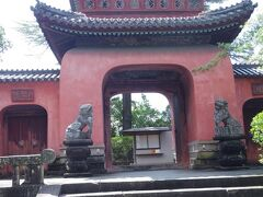 国指定重要文化財にもなってる崇福寺三門です。
