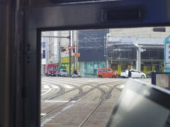 次は1系統に乗ってみました。路面電車の分岐点はなんだかワクワクします!