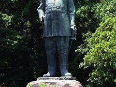 今も抜群の人気を誇る、西郷隆盛銅像です。