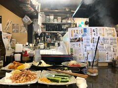 平日ひきこもり勤務なのもあり せっかく来たので五井駅近くの居酒屋で 一杯やることに。  まだ17:30。 こーゆー雰囲気めちゃ久しぶり。