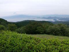 だるま山公園へ。生憎の曇り空ですが、富士山がうっすら見えました。