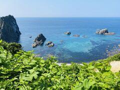 せっかくなのでちょっとだけ積丹ブルー@島武意海岸。 ここに来るのは多分3回目ですが、今までで一番人が多かった気がします。 下には降りず、写真だけ撮って滞在時間わずか3分 (^_^;)