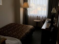 15時を回りホテルにチェックイン。 爆安プランだったにも関わらず13階の眺めの良い部屋を用意して頂けました。