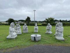 しもふさの近くには、下総地区の七福神巡りにちなんだ宝船公園があります。七福神に囲まれているのは、下総地区の七福神が祀られている場所の地図。