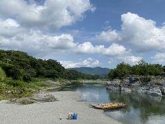 以前行った秩父での荒川の景色も良かったですが、やはり長瀞の景色の方がいいですね。