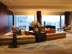本日の宿はストリングスホテル東京インターコンチネンタル。 18IN-9OUTのお得なプラン。