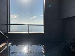 この朝日に照らされて入るお風呂は 最高に気持ちよかったです。