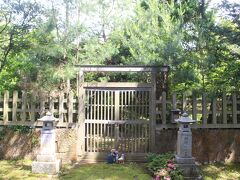 佐渡に流された順徳上皇の御所があった黒木御所跡。 「御所」とはいえ敷地も狭く、京都の御所に比べれば、やはり罪人だったと思わされました。