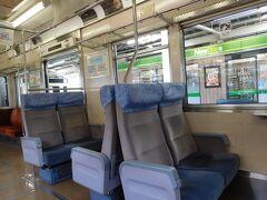 熱海駅からJR伊東線で1駅、来宮神社へと向かいます。