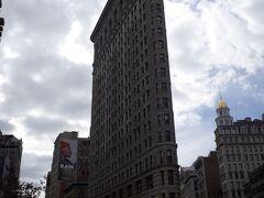 20世紀最初の傑作。 元祖摩天楼と呼ばれます。