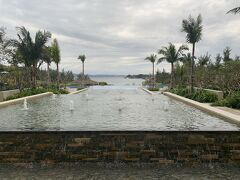 そしてメインホテル ハレクラニ沖縄^^ 11月に着てすっごく良かったので家族旅行はハレクラニ沖縄と決めていました~ ハレクラニ沖縄はやはり人気ホテルでお値段もするので 1泊目はハイアット。2日目はリゾートホテルのハレクラニ。と調整><