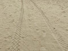 レンタカー屋さんのお勧めは 『前浜ビーチ』  東洋一の美しさといわれるビーチらしい