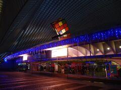 まだ暗いうちにリエージュ・ギュマン駅に行って、ハッセルトまでの往復切符を購入しておきます。