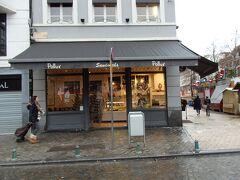 ここがガイドブックにも掲載されていたワッフルで有名なお店Sandwicherie Pollux