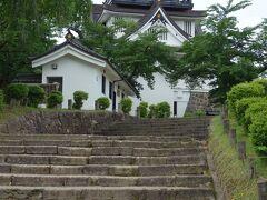 横手城まで登ってきました。 横手城は、その昔朝倉城といい、1550年頃、現在の秋田県南部に勢力を築いた小野寺氏によって造られた。