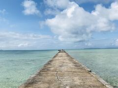海に突き出た桟橋。 観光客が少ないと、時間によっては独り占めできちゃう。