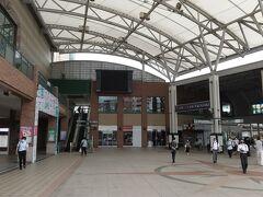 7:29 宿を出たら、すぐ長崎駅。