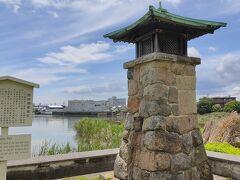 熱田常夜燈 公園には常夜灯や時刻を知らせる鐘撞台が復元され、周りの古い町並みと併せてかつての宮宿の賑わいを偲ぶことができます。